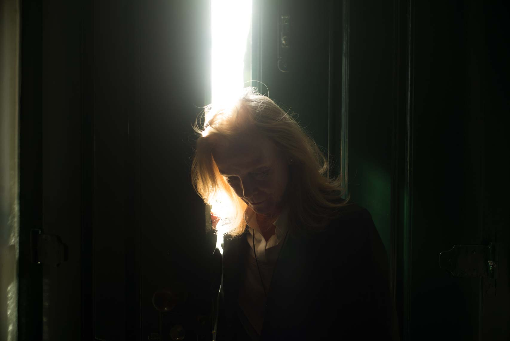 Anita-in-doorweay-with-light