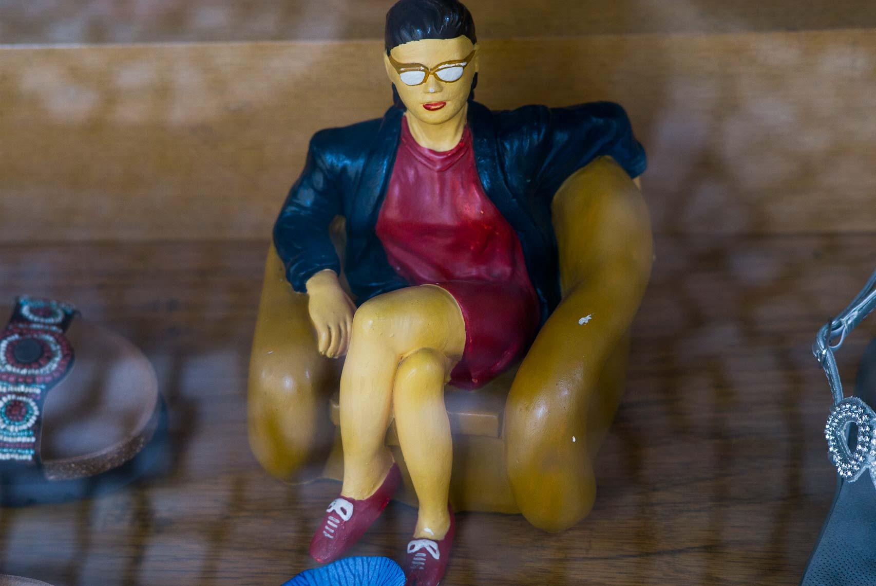 Shoe-store-figurine